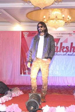 Sumit Salunke - Model in Mumbai   www.dazzlerr.com