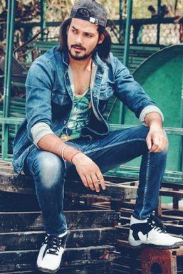 Adarsh Tripathi - Model in New Delhi | www.dazzlerr.com