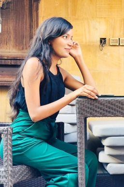Nikki Khera - Model in Khera Khurd   www.dazzlerr.com