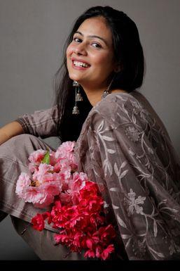 Shubhkamna - Model in Delhi   www.dazzlerr.com