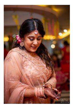 Next Click - Photographer in Barddhaman   www.dazzlerr.com
