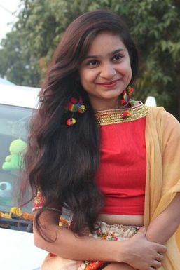 Yatika Rahi - Model in Indore | www.dazzlerr.com
