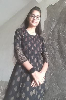 Shivangi Pandey - Actor in Ayodhya | www.dazzlerr.com