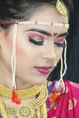 Sakina Shaikh - Makeup Artist in Navi Mumbai | www.dazzlerr.com