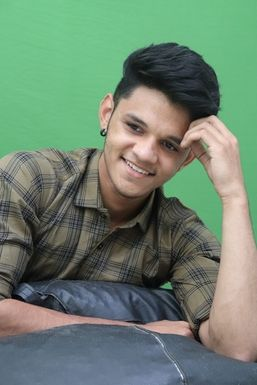 Dazzlerr - Vagadiya Akash Influencer Rajkot