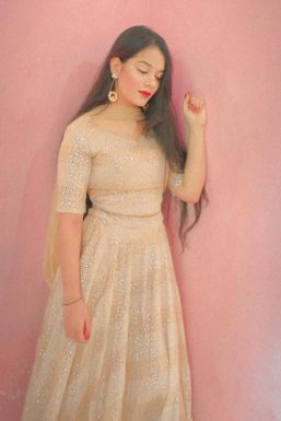 Dazzlerr - Aisha Sayed Influencer New Delhi