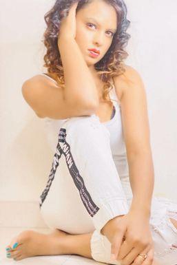 Zennifer Sharmaa - Model in Chandigarh   www.dazzlerr.com
